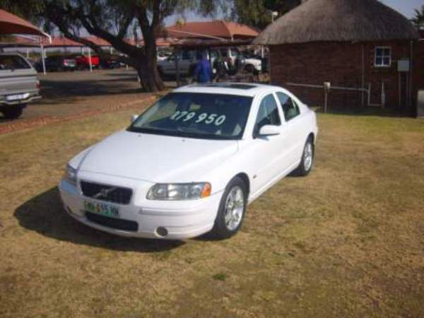 2006 VOLVO S60 2.0 T – R 69950.00