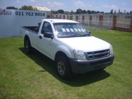 2004 – ISUZU FLEETSIDE KB300 – R99950.00