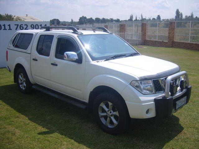 2008 – NISSAN NAVARA D/C 4.0 V6 A/T  4X4 – R129950.00