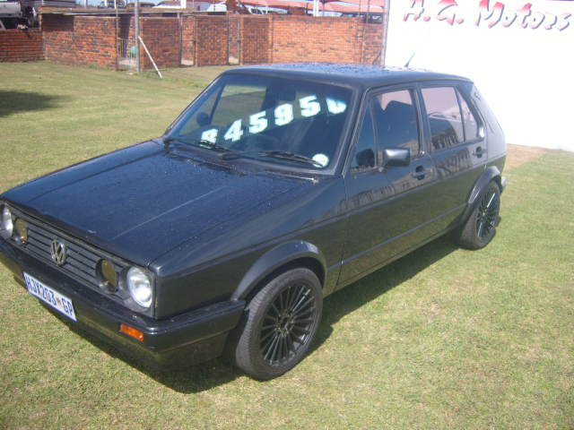 1998 – V.W GOLF MK1 1.8 – R45950.00