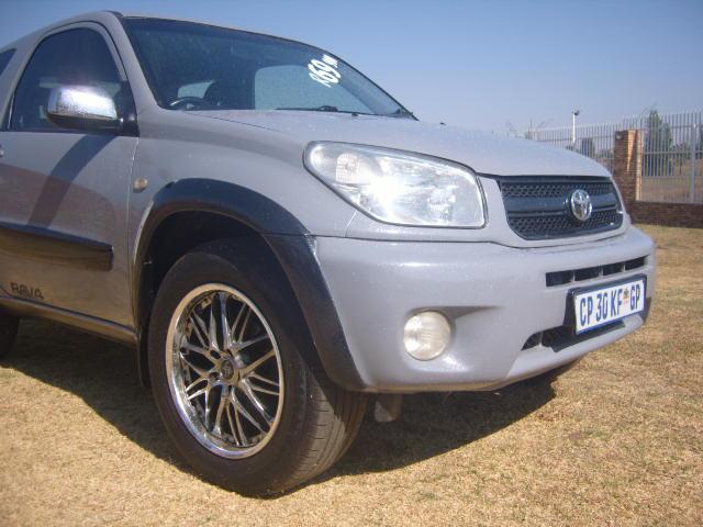 2005 – Toyota Rav 4 1.8 3dr – R69900.00