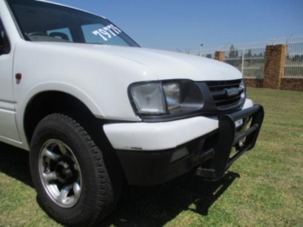 2001 – Isuzu KB Series Kb 250dc Le P/u D/c –  R 79 900.00